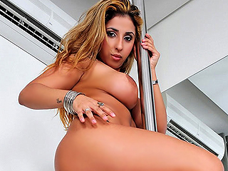 Anita Ferrari latina sex video from Oye Loca