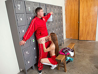 Slutty Squirting Cheerleader – Kimberly Brix
