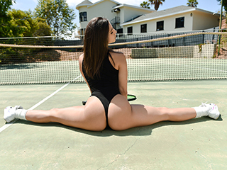 Serving Up Some Spunk – Abella Danger