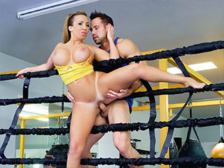 Busty Babe Goes Boxing – Richelle Ryan
